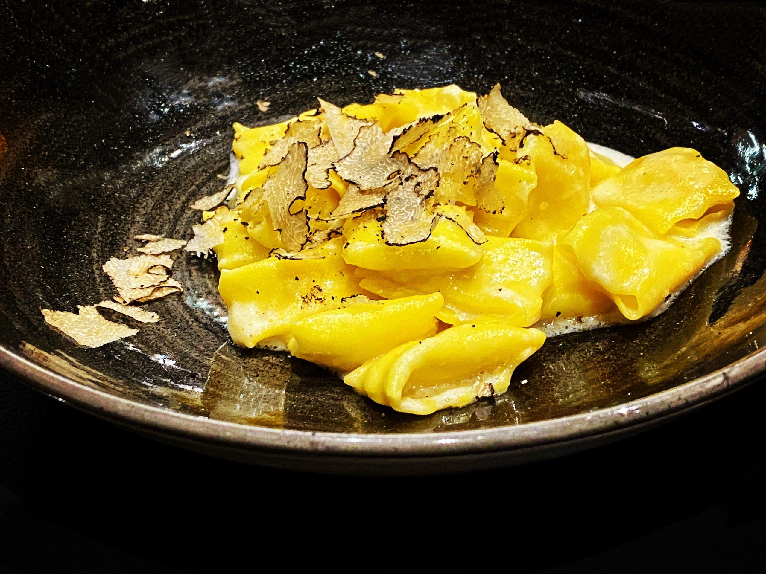 Ravioli di patate e porri, Parmigiano Reggiano e tartufo nero Boccon Divino Chiavari