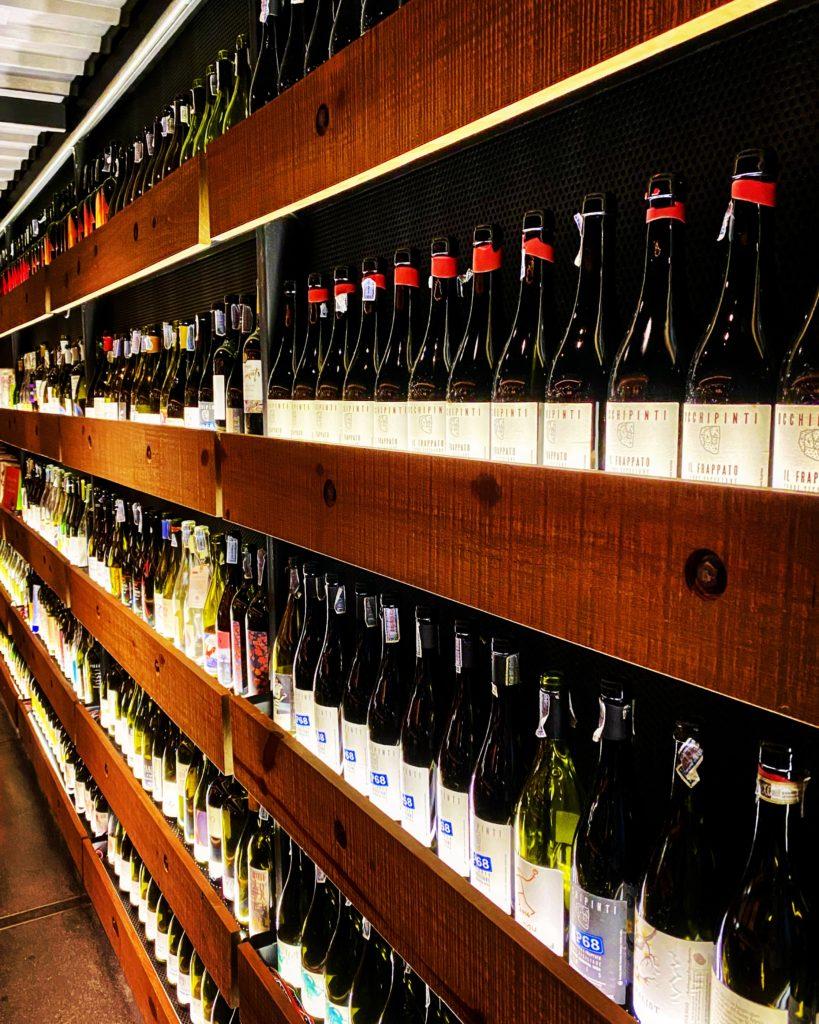il vino naturale in thailandia bottiglie